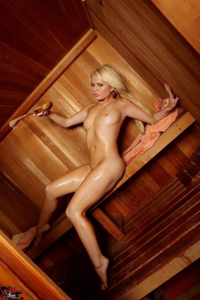 Самые красивые голые девушки в сауне