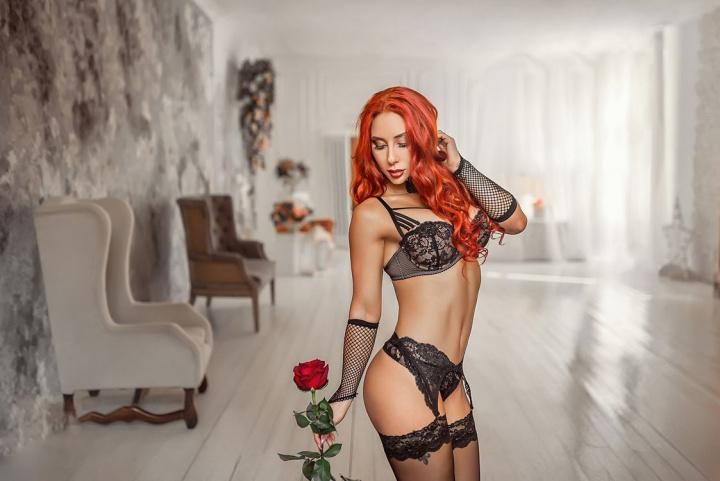 Красивые рыжие девушки в нижнем белье