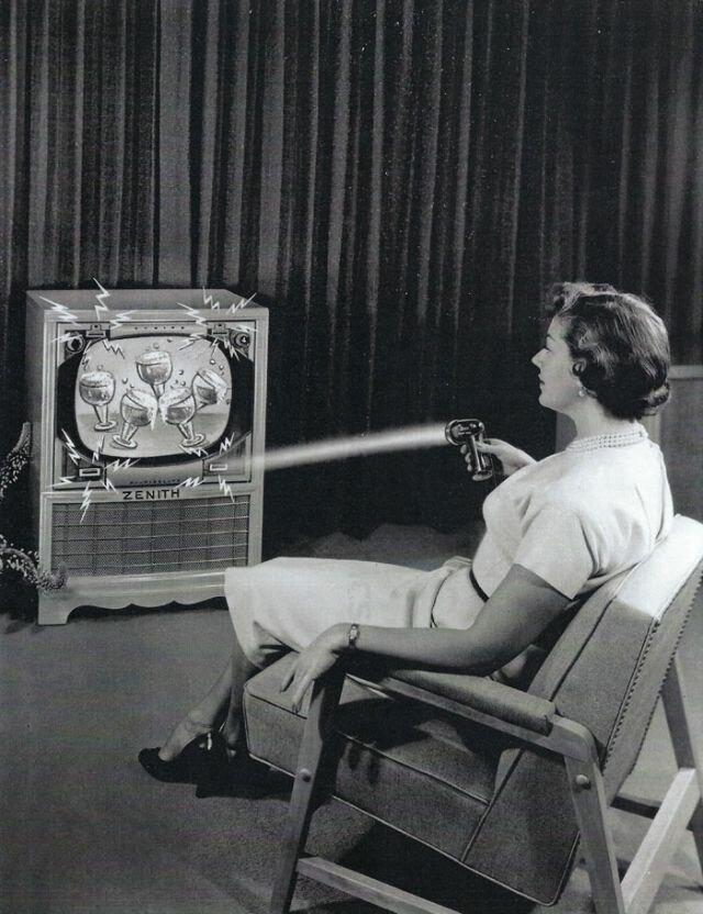 Как выглядел первый дистанционный пульт телевизора