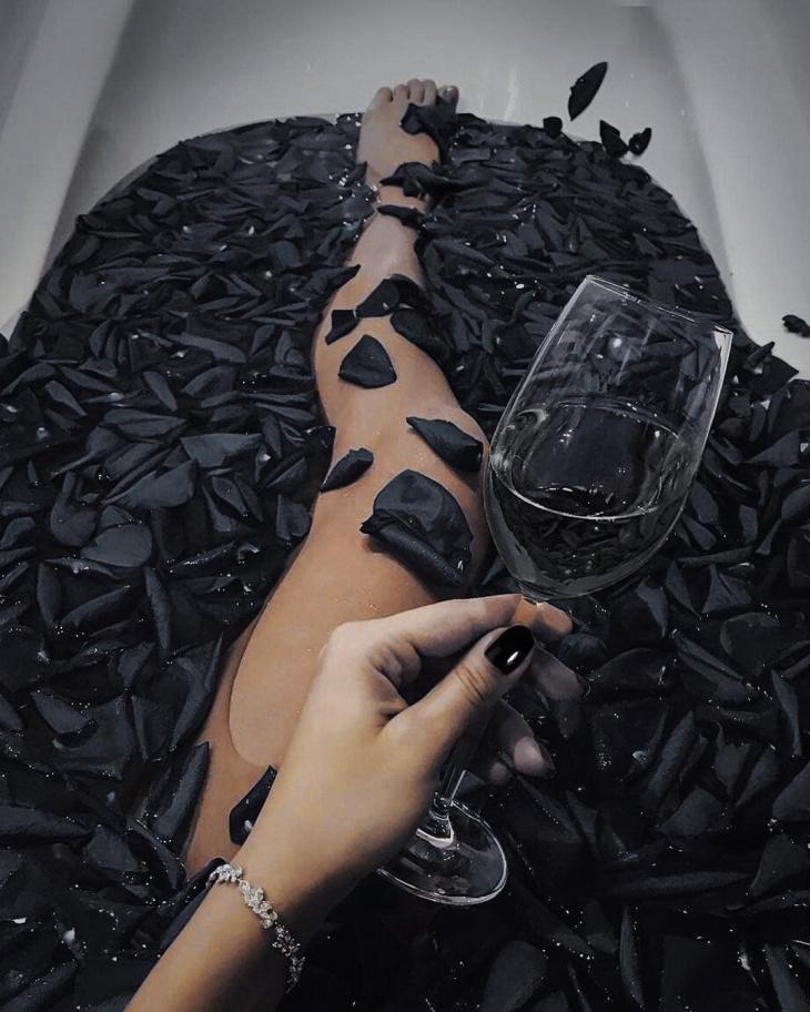 Привычные вещи в чёрном исполнении