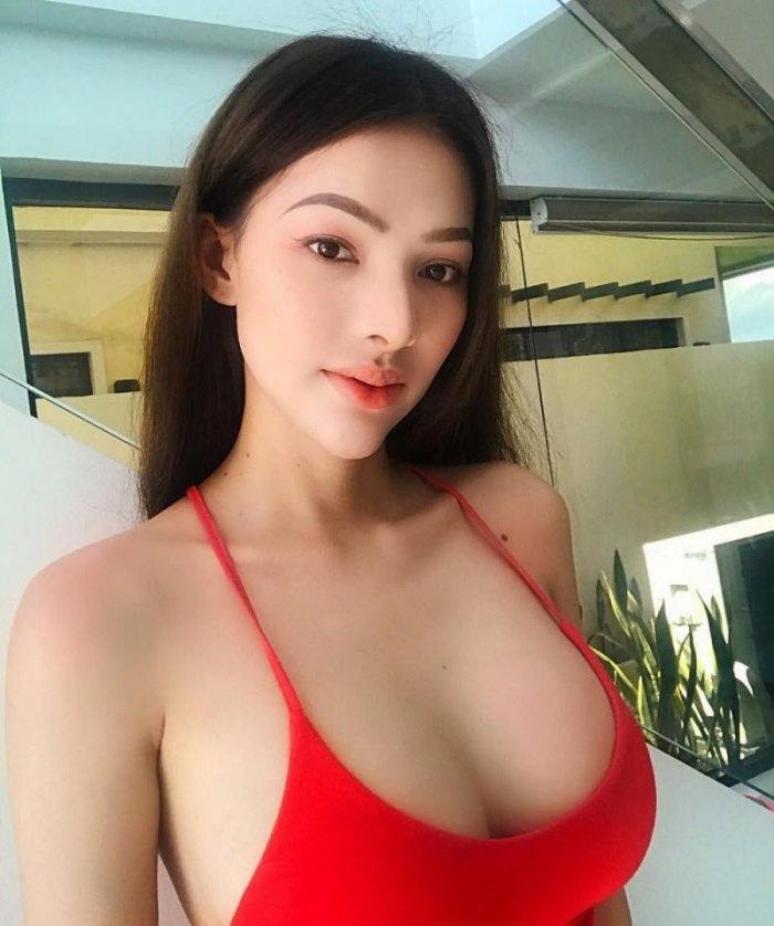 Красивые девушки с большой грудью