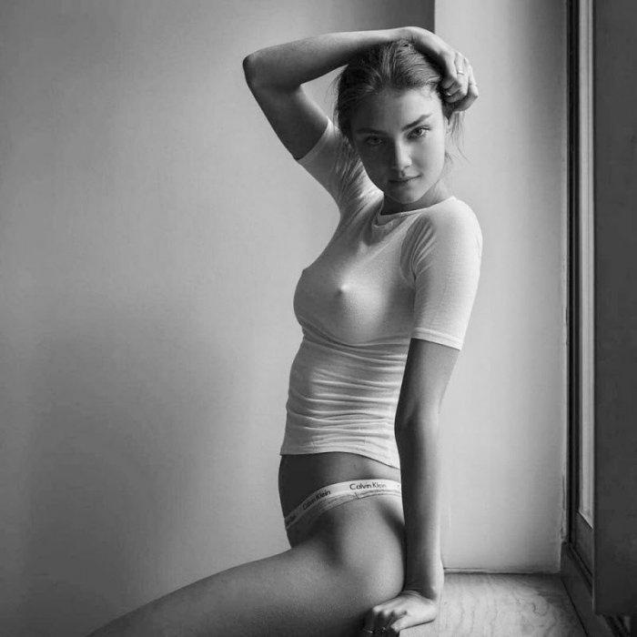 Фотографии девушек без лифчика