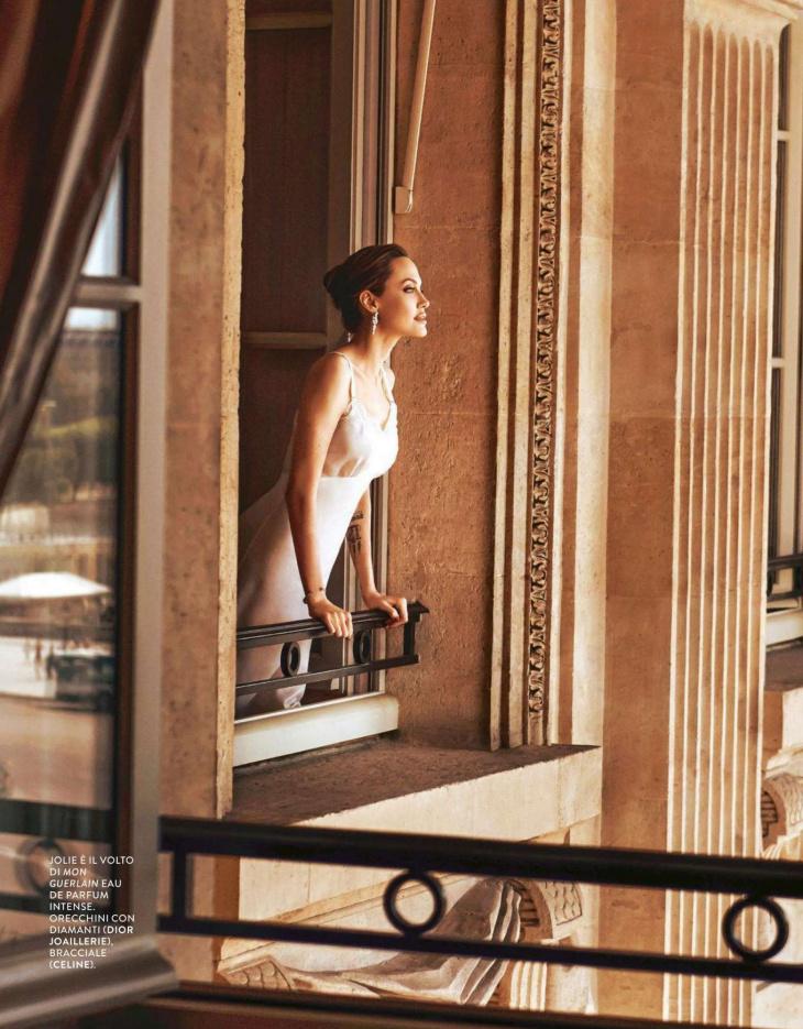 Анджелина Джоли в журнале Grazia
