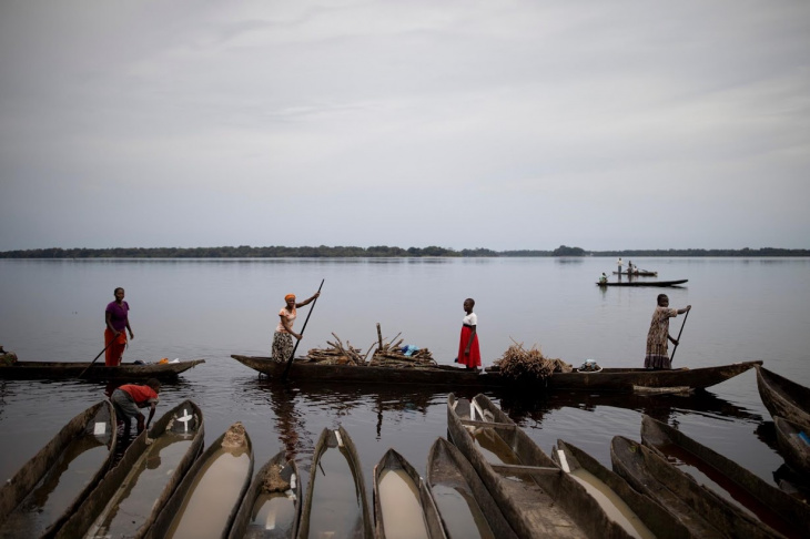 Охота в Конго, как способ получения дополнительного дохода