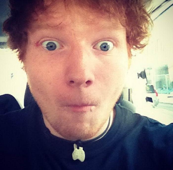 Первое фото знаменитостей в Instagram