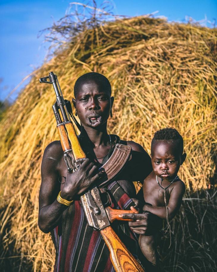 Удивительные фотографии представителей племени Хамар