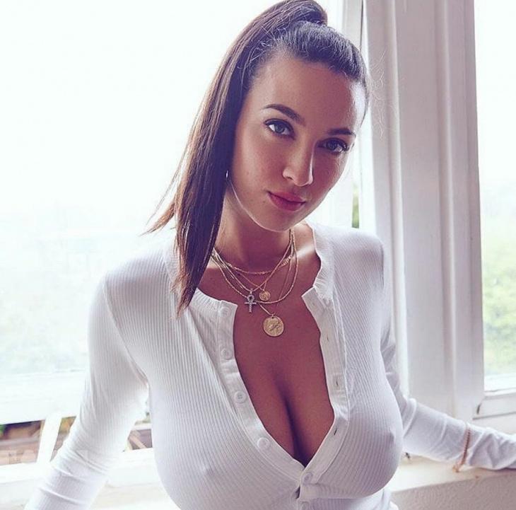 Девушки с большой грудью #2