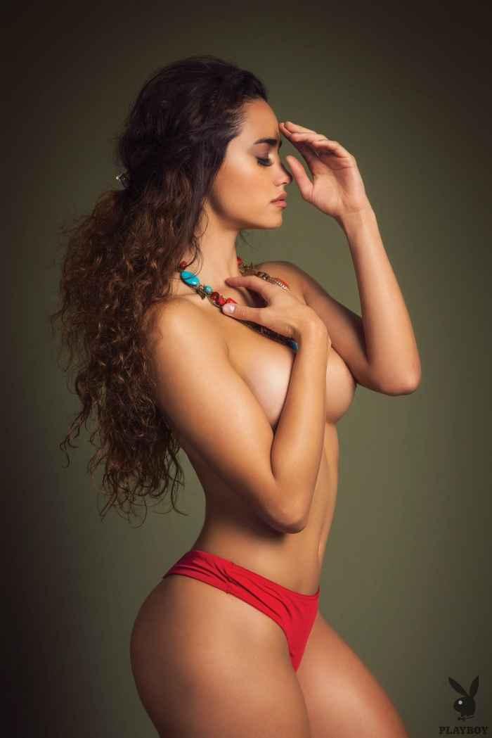 Голая мексиканка с красивой жопой — Клубничка