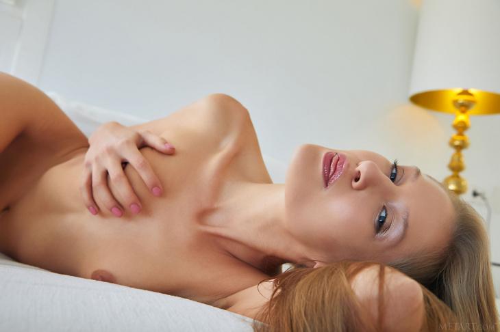 Сладкая худышка с красивым анусом — Фото НЮ