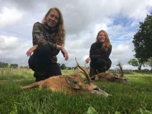 26-летние близняшки из Дании любят все, что связано с охотой