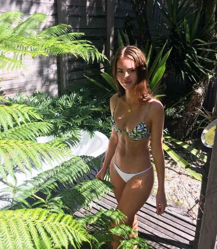Солнце, бикини и красивые девушки