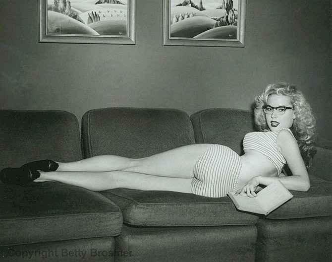 Бетти Бросмер — обладательница самой шикарной фигуры 50-х годов
