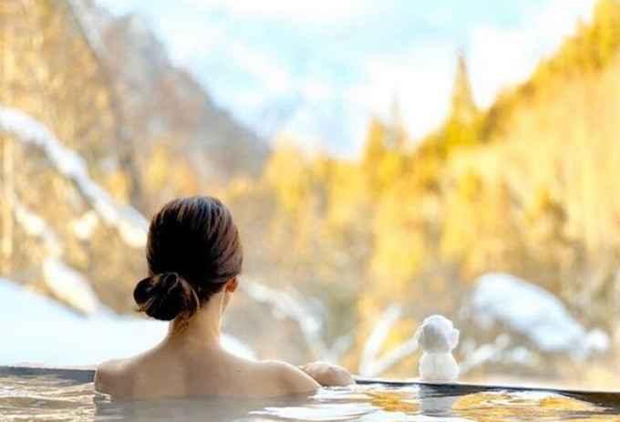 Горячие купальни Японии, где расслабляются обнаженными