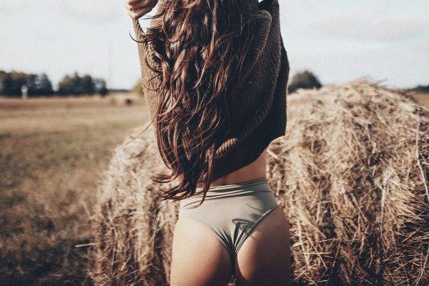 Молодые девушки с красивой попкой