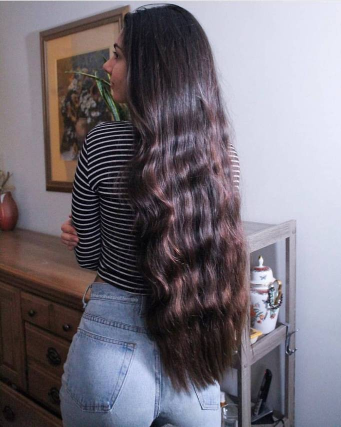 Красивые девушки с очень длинными волосами