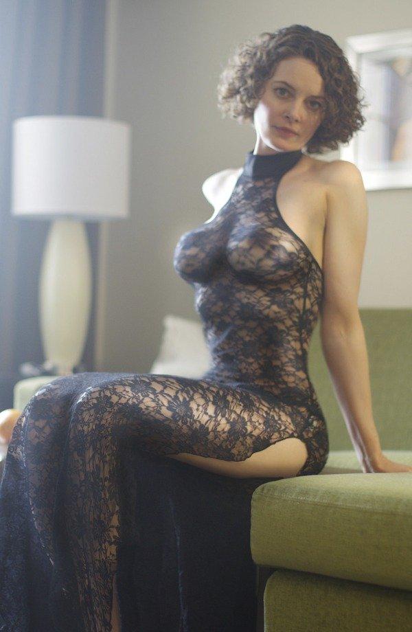 Секс и эстетика на частных фото милой дамы