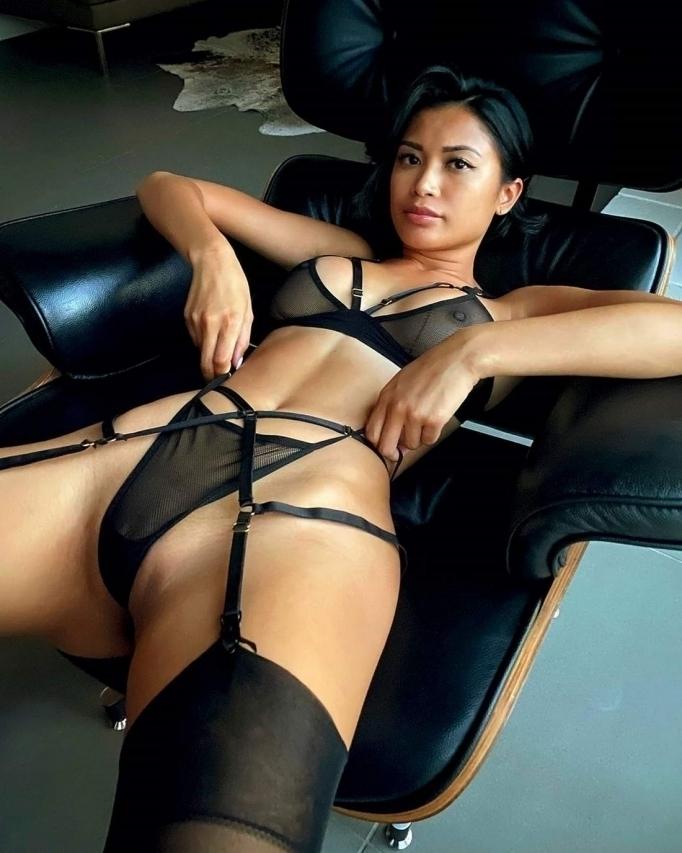 Красивые и сексуальные Азиатки