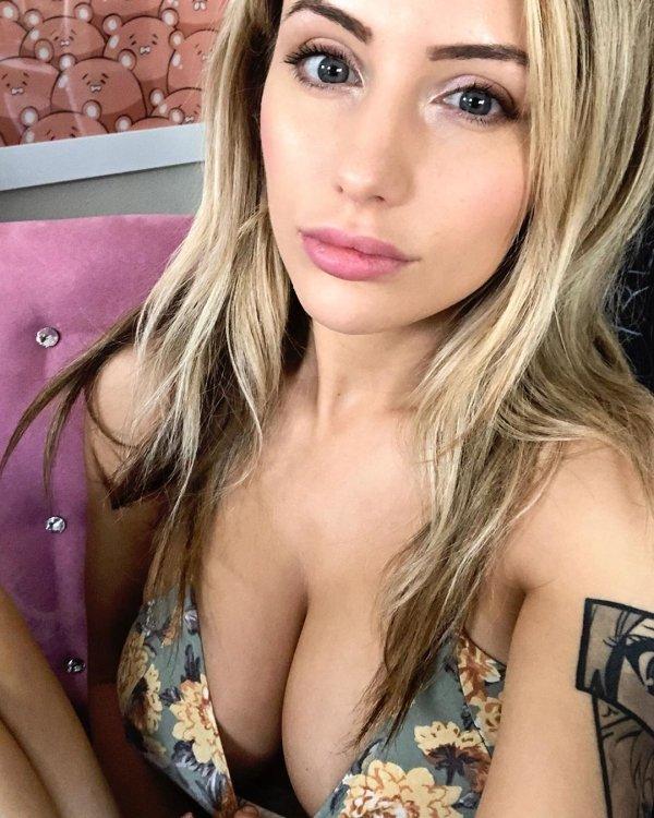 Лиз Кац — горячий косплей красивой девушки
