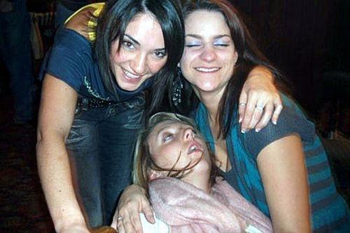 Фото приколы с пьяными девушками