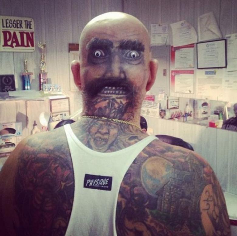 Топ 10 смешных татуировок