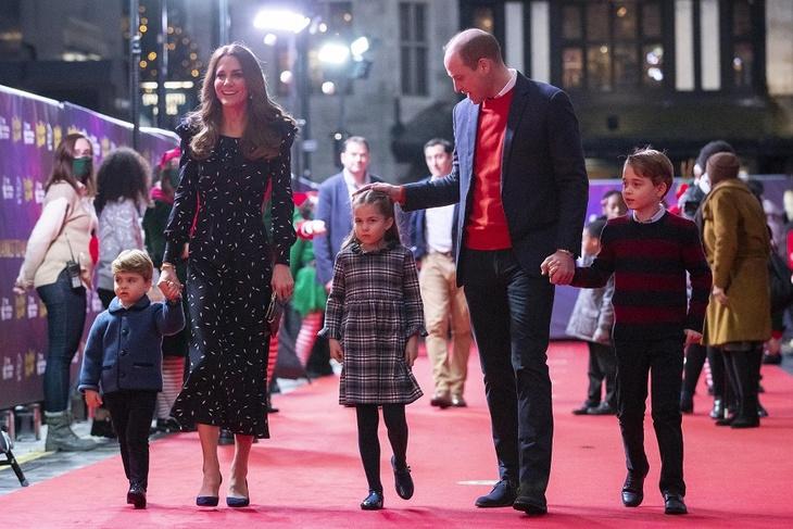 Кейт Миддлтон и принц Уильям поделились новой фотографией принцессы Шарлотты в честь ее дня рождения