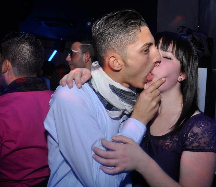 Страстные поцелуи
