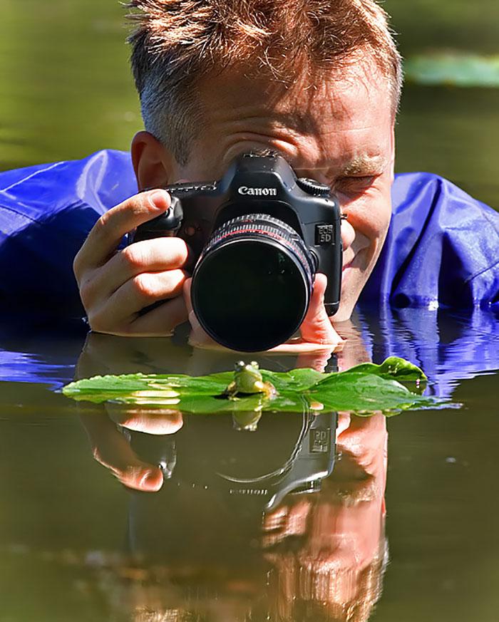 Пока ловил кадр: уморительная подборка нелепых поз фотографов