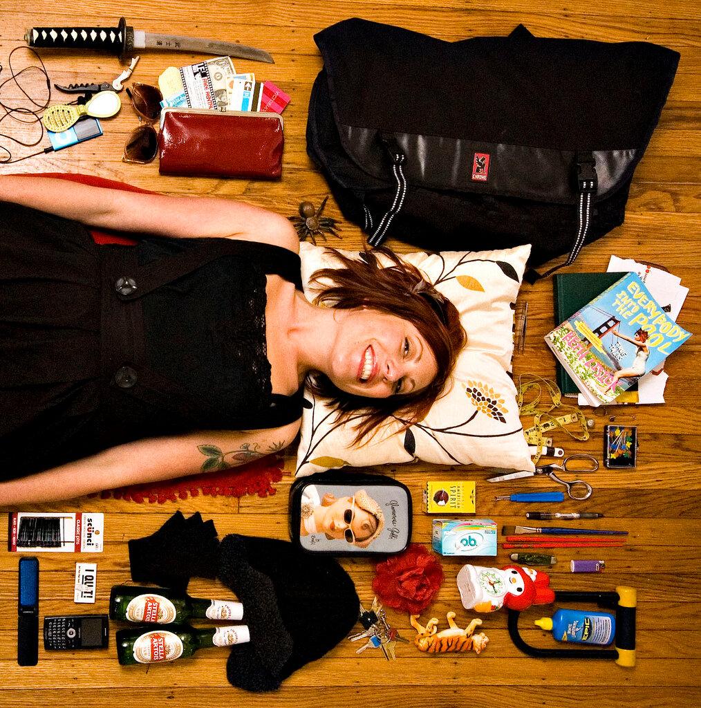 Что у женщины в сумочке