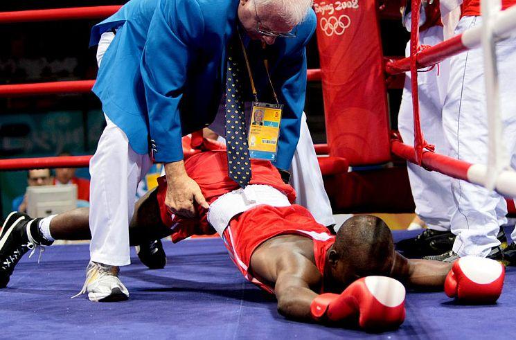 Подборка забавных моментов на соревнованиях по боксу