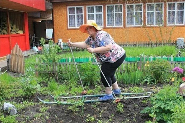 Нашествие дачников: подборка шуток про огород