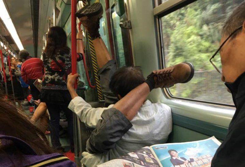 Подборка самых странных пассажиров общественного транспорта
