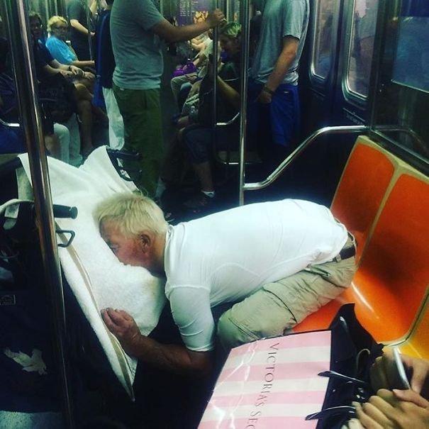 Бессовестные люди в метро
