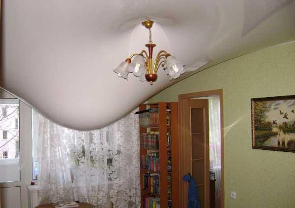 Потолок потек в прямом смысле