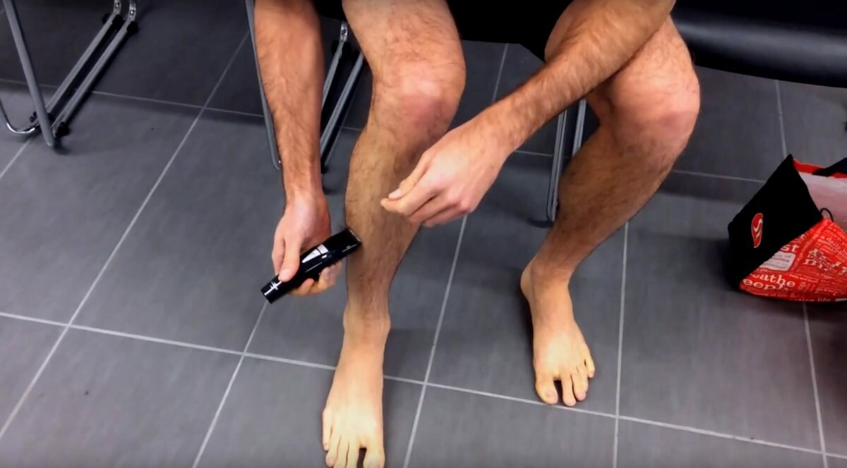 Брить ноги не зазорно