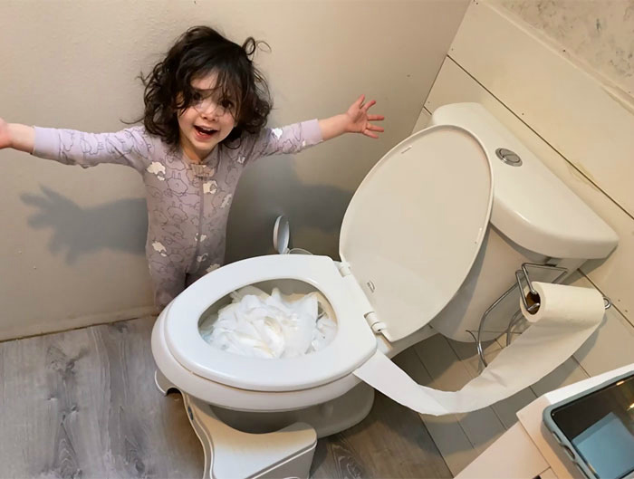 Когда приходится совмещать две должности или как работать, если у тебя полный дом детей