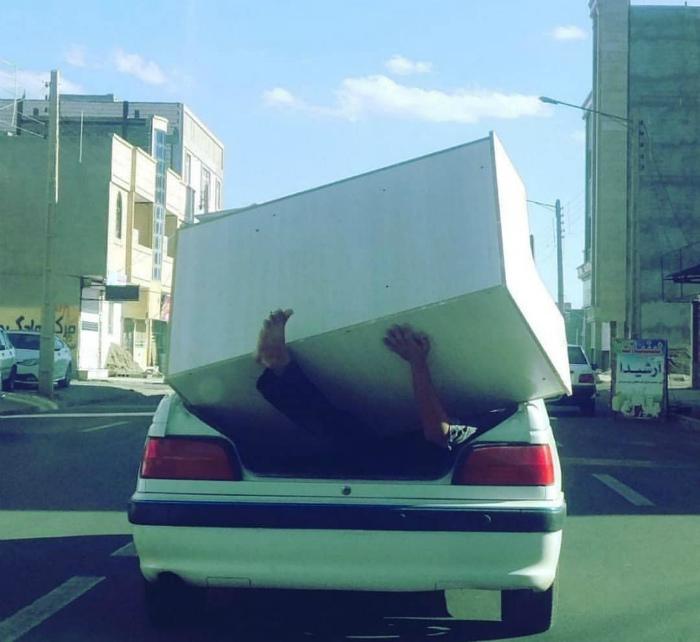 Осторожно! В машине странный груз