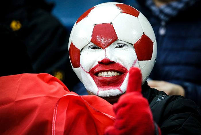 Подборка самых необычных образов болельщиков футбола