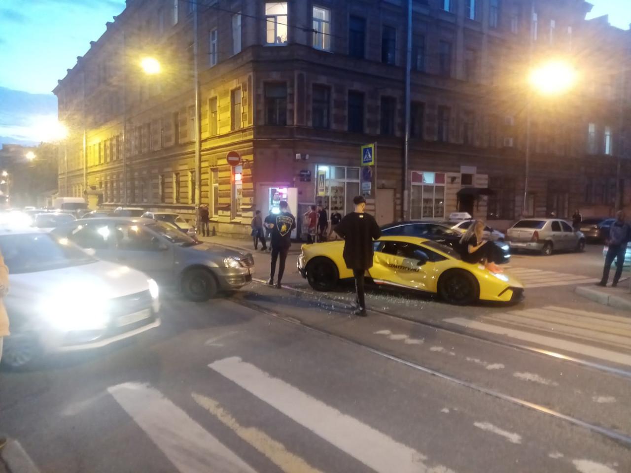 Мажорное такси