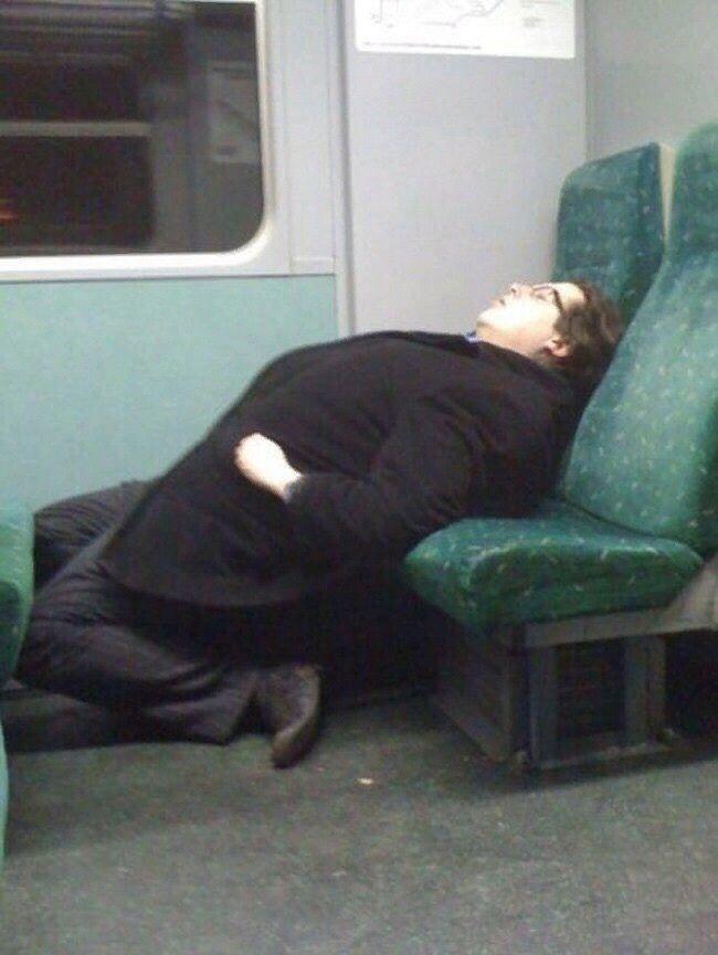 Солдат спит…