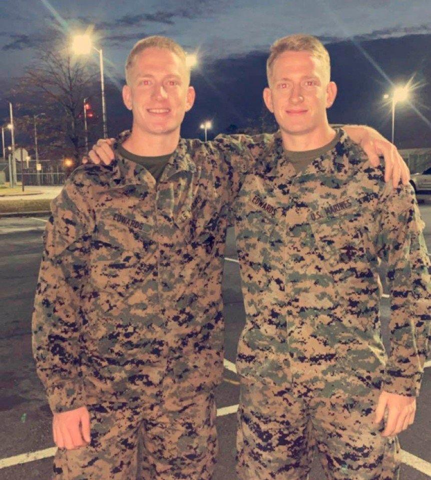 Фото счастливых близнецов