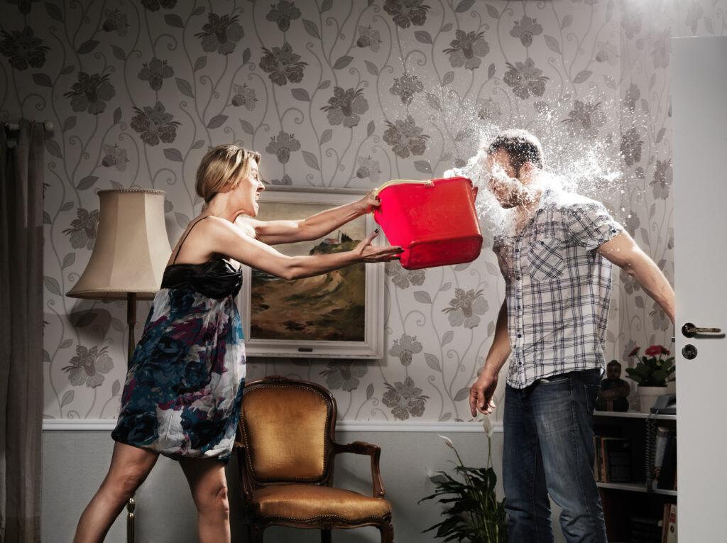 6 способов встретить опоздавшего мужа