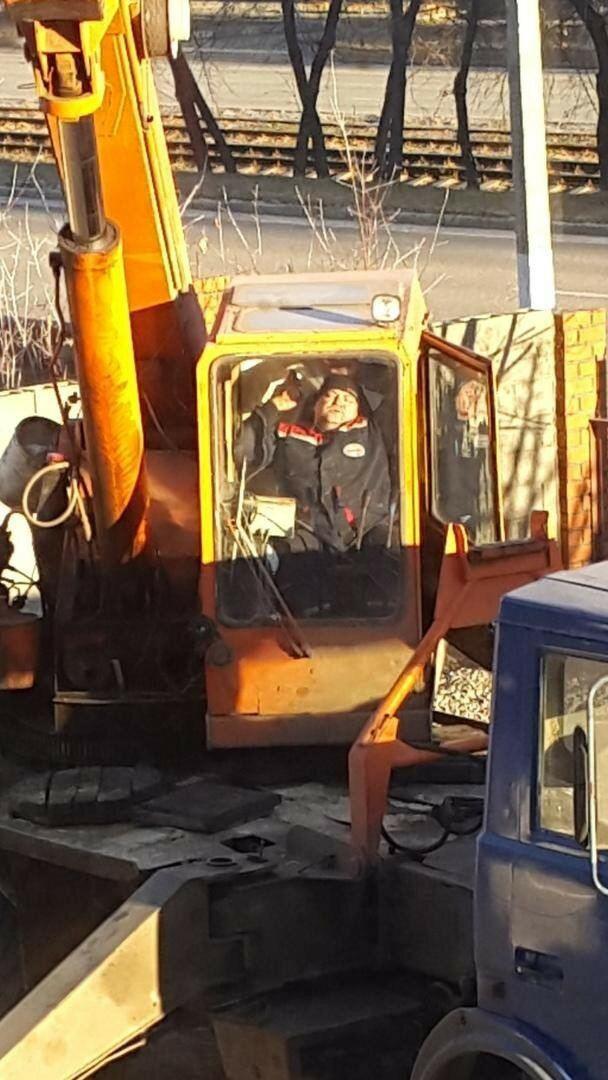 Весёлые будни строителей