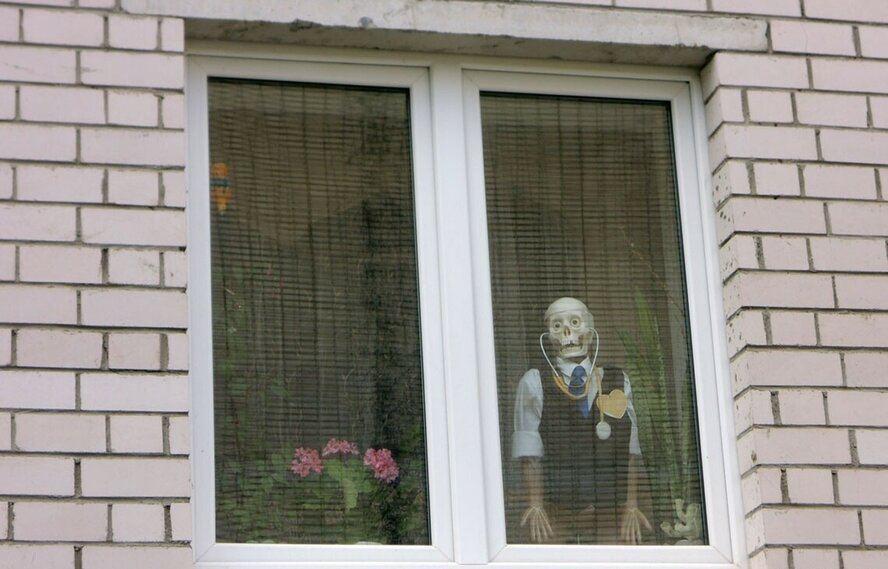 Странные и необычные виды из окна