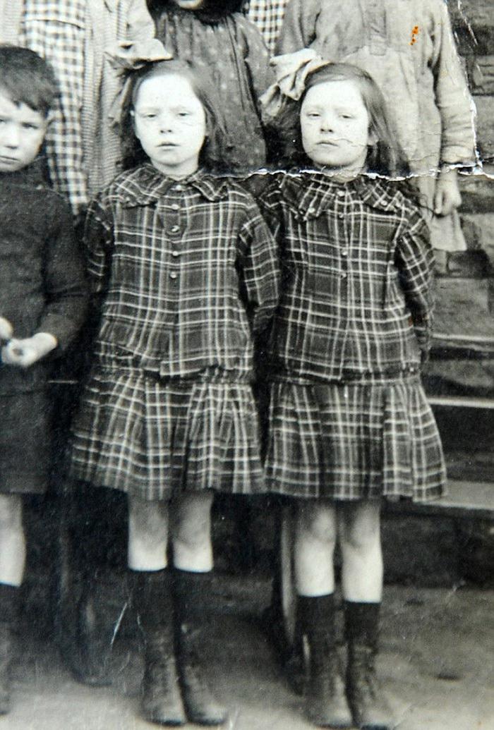 Самые старые в мире близняшки любят друг друга уже 103 года