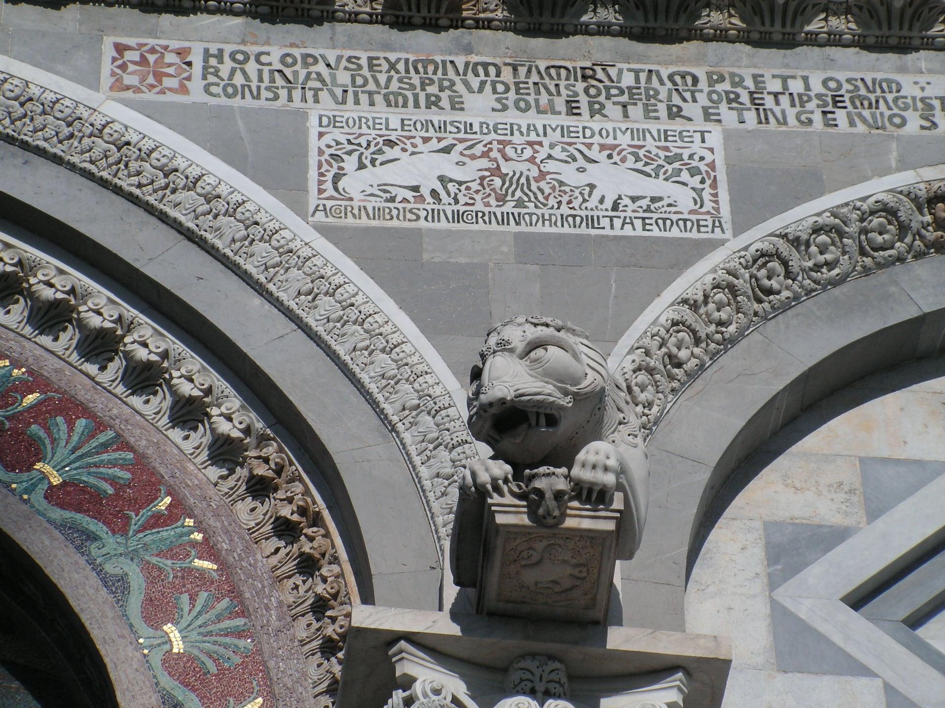 В этот день 9 августа 1173 года началось возведение Пизанской башни