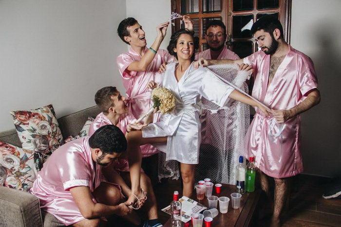 Невеста устроила девичник со своими коллегами