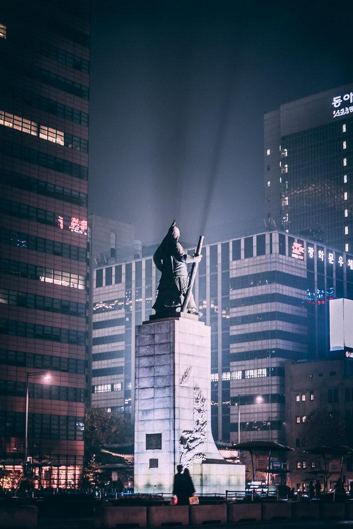 Американский фотограф живущий в Сеуле