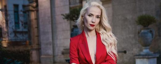Наталия Орейро перекрасилась в блондинку