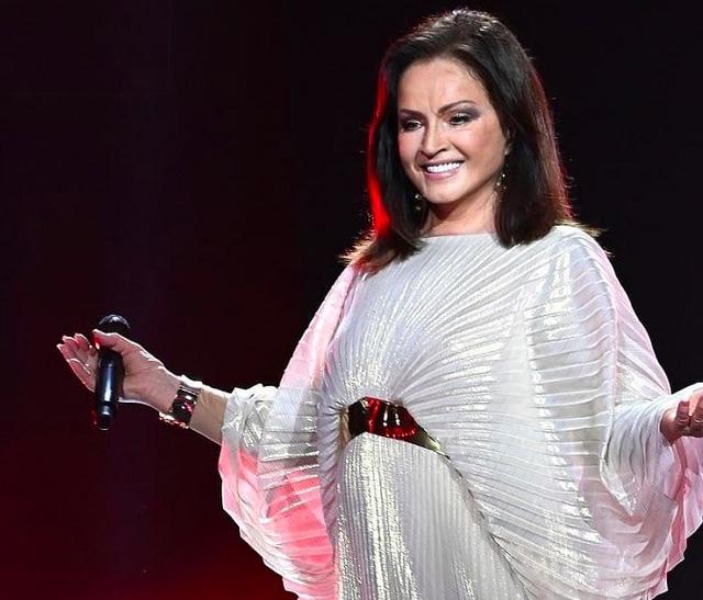 София Ротару вышла на сцену на конкурсе «Новая волна» в Сочи
