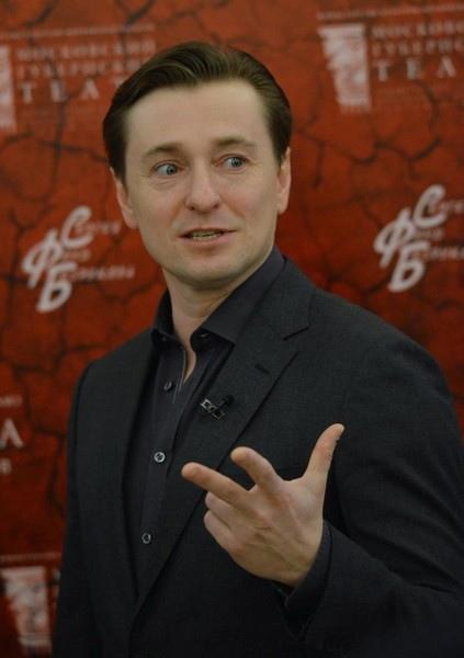 Сергей Безруков поделился мнением о Ольге Бузовой